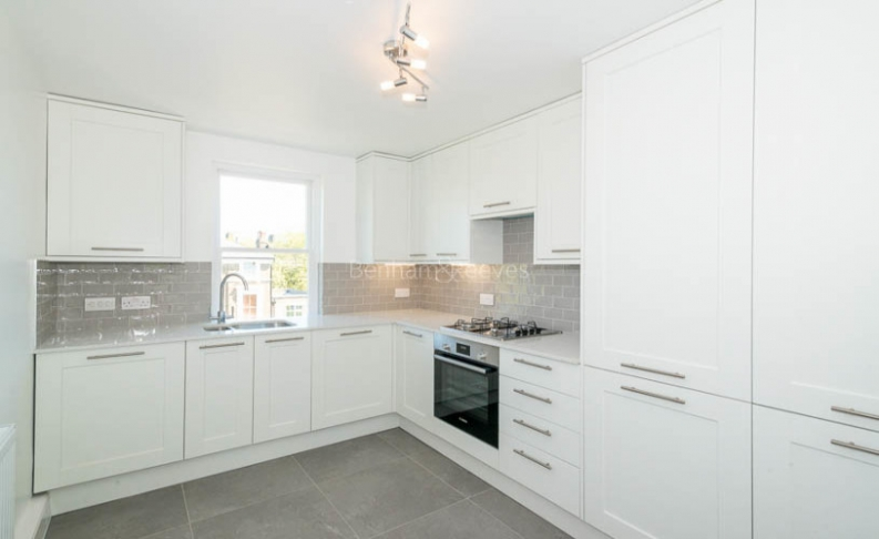 picture of 1 Bedroom(s) flat in  Parkhill Road, Belsize Park, NW3