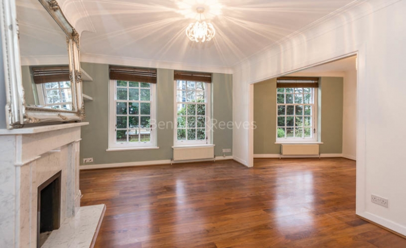 picture of 2 Bedroom(s) flat in  Prince Arthur Road, Hampstead, NW3