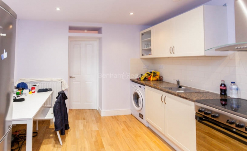 picture of Studio flat in  Fleet Road, Hampstead Heath, NW3
