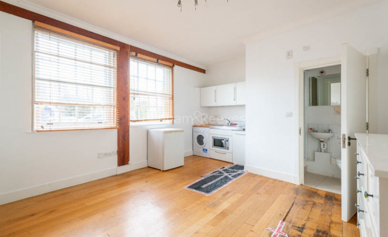 picture of 1 Bedroom(s) flat in  North End Way, Hampstead, NW3