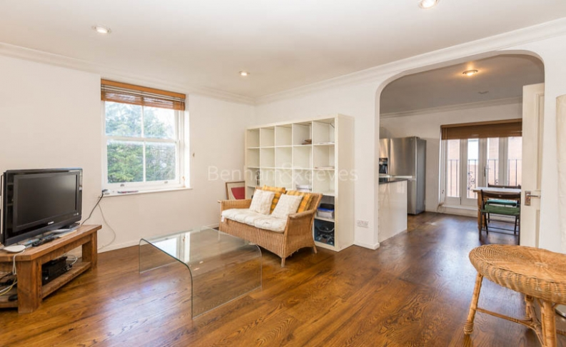 picture of 2 Bedroom(s) flat in  Parkhill, Hampstead, NW3