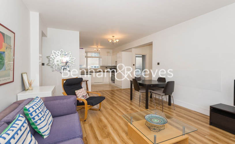 picture of 3 Bedroom(s) flat in  Tower Close, St John Wood, NW8
