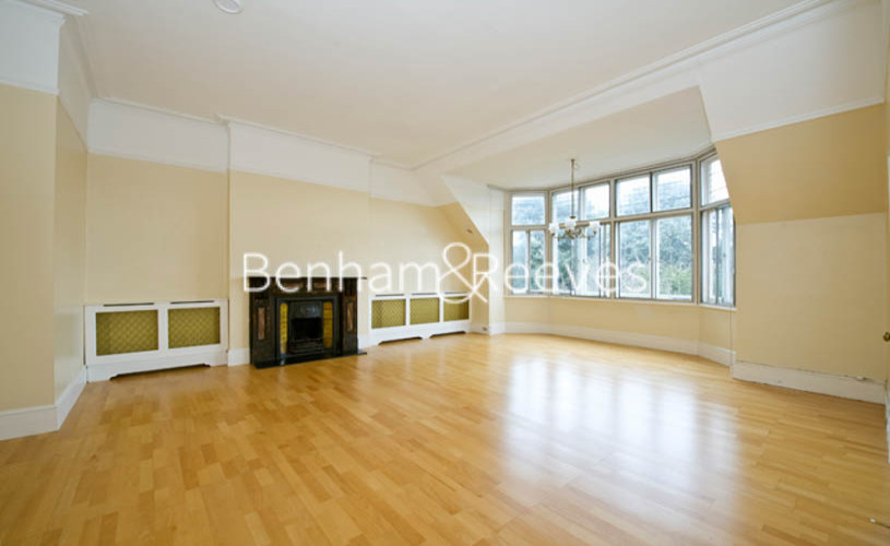 picture of 3-bed flat in  Hampstead