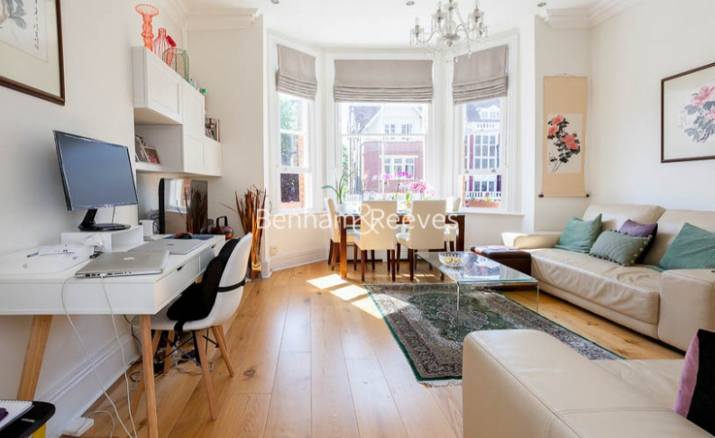 picture of 2 Bedroom(s) flat in  Frognal, Hampstead, NW3
