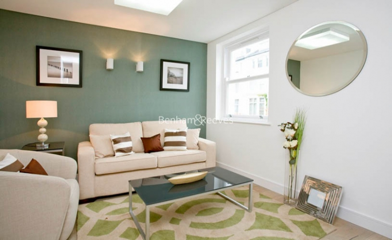 picture of 2 Bedroom(s) flat in  Lancaster Grove, Hampstead, NW3