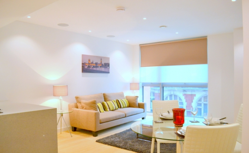 picture of 2 Bedroom(s) flat in  Wellington House, Buckingham Gate SW1E