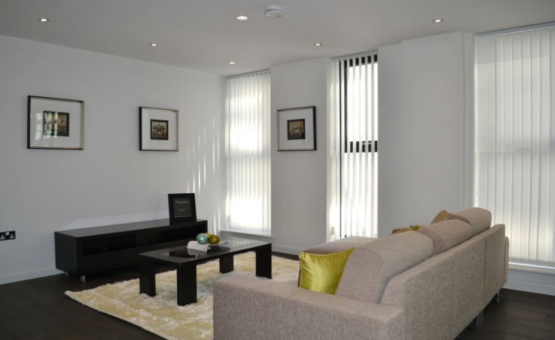 picture of 3 Bedroom(s) flat in  Warwick Row, Buckingham Palace Road, SW1