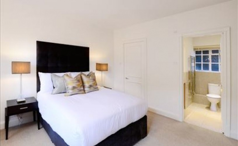 picture of 2 Bedroom(s) flat in  Pelham Court, Fulham Road, SW3