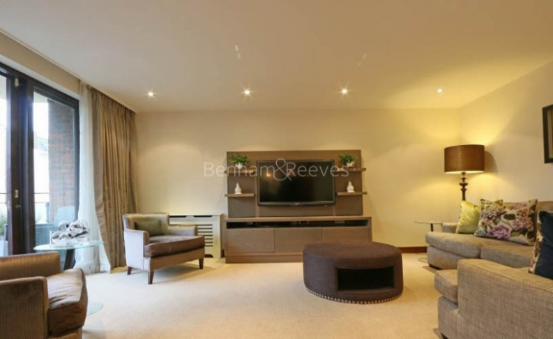 picture of 3-bed flat in  Knightsbridge
