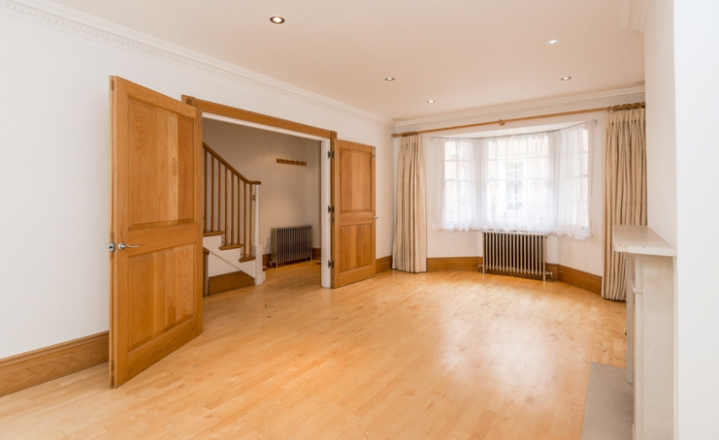 picture of 3 Bedroom(s) flat in  Little Chester Street, Belgravia, SW1X