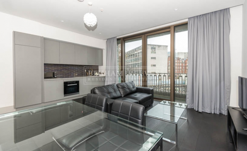 picture of Studio flat in  Victoria Street, Victoria, SW1H