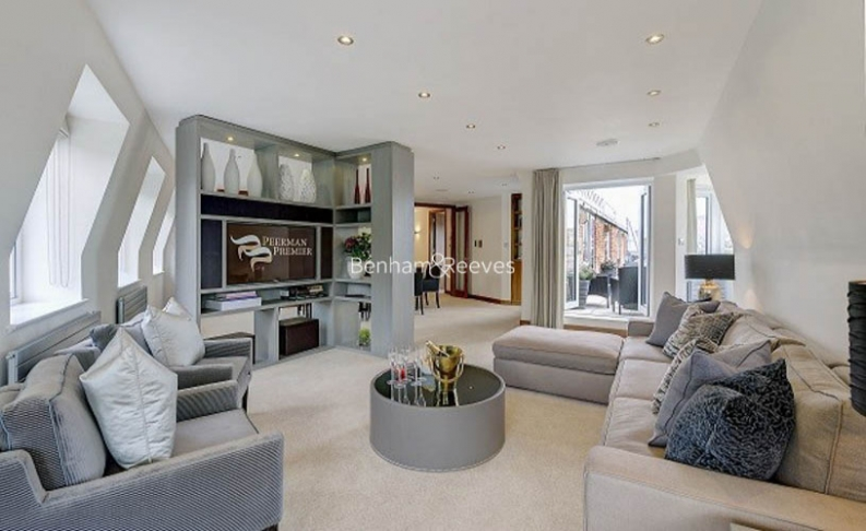 picture of 3 Bedroom(s) flat in  Tarnbrook Court, Belgravia, Sw1W