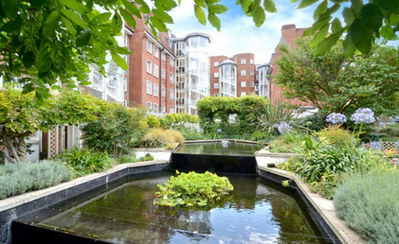 picture of 2 Bedroom(s) flat in  Crown Lodge, Elystan Street, Chelsea SW3