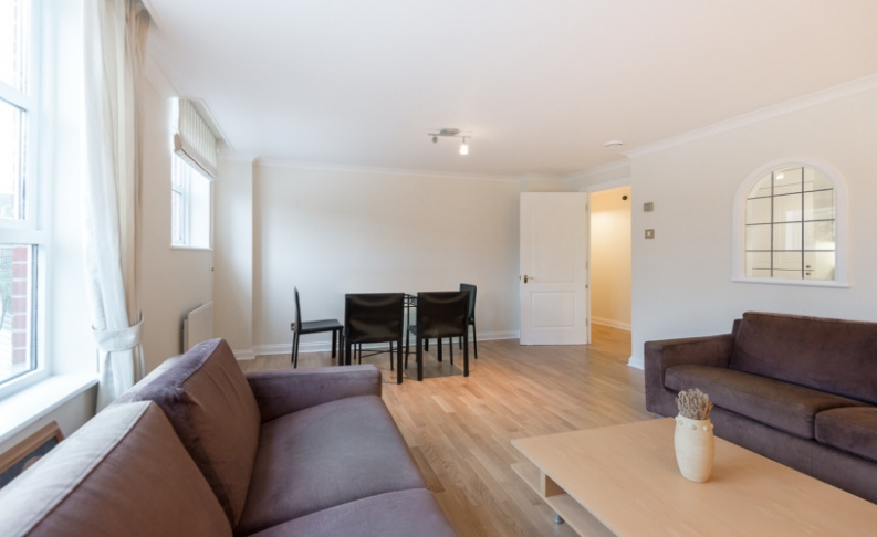 picture of 2 Bedroom(s) flat in  Royal Westminster Lodge, Elverton Street, Victoria, SW1