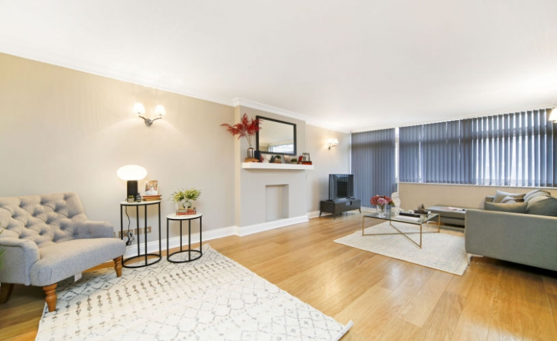 picture of 2 Bedroom(s) flat in  Ranelagh House, Elystan Place, SW3