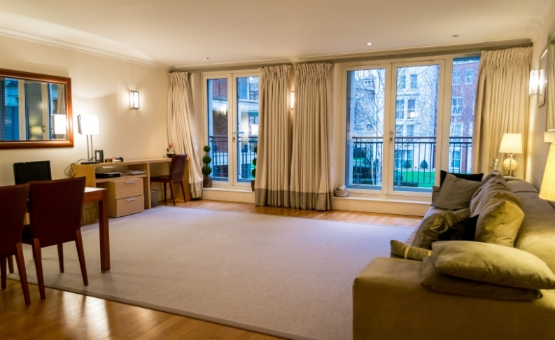 picture of 2 Bedroom(s) flat in  Coleridge Gardens, King's Chelsea, SW10