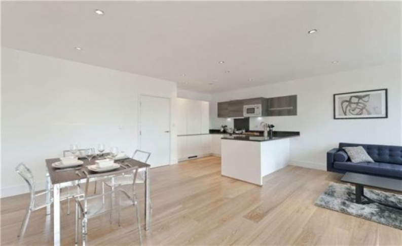 picture of 2-bed flat in  Hyde Park