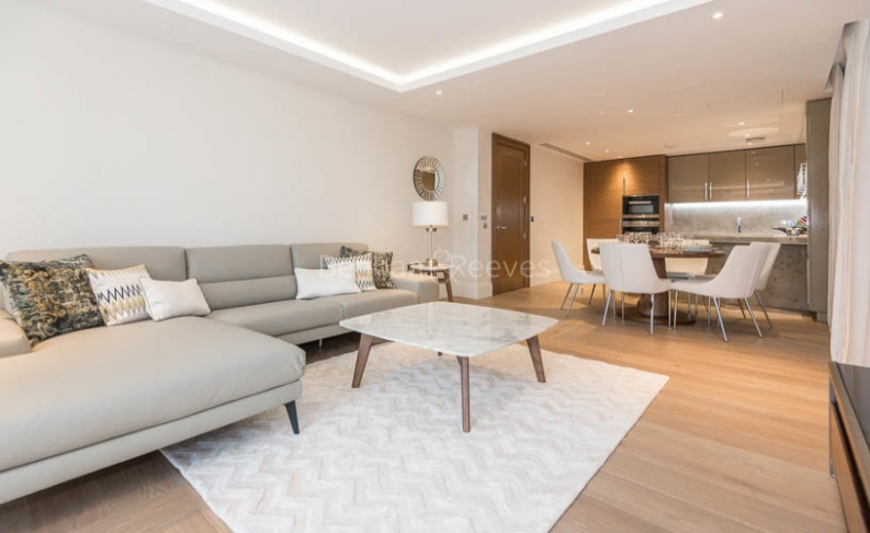picture of 2 Bedroom(s) flat in  Arundel Street, Strand, WC2R