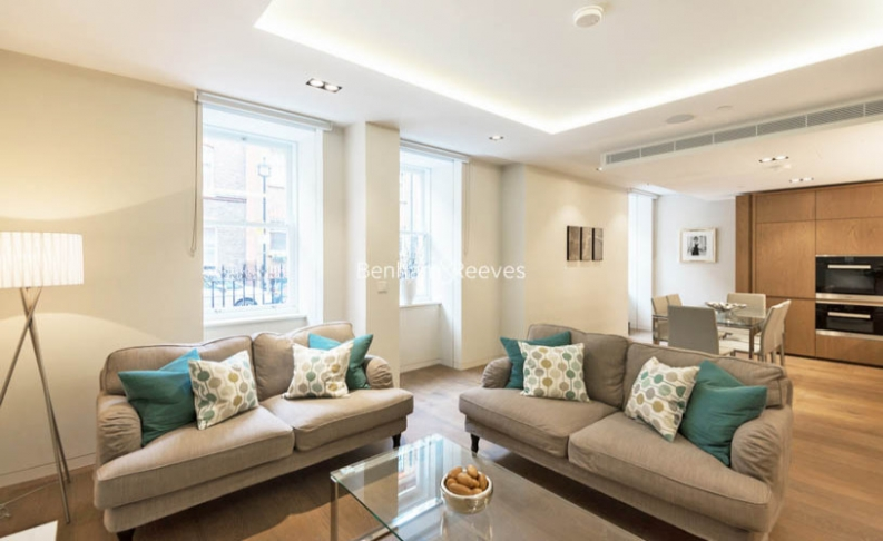 picture of 3 Bedroom(s) flat in  Fitzroy Place, Pearson Square, Fitzrovia, Oxford Circus W1T