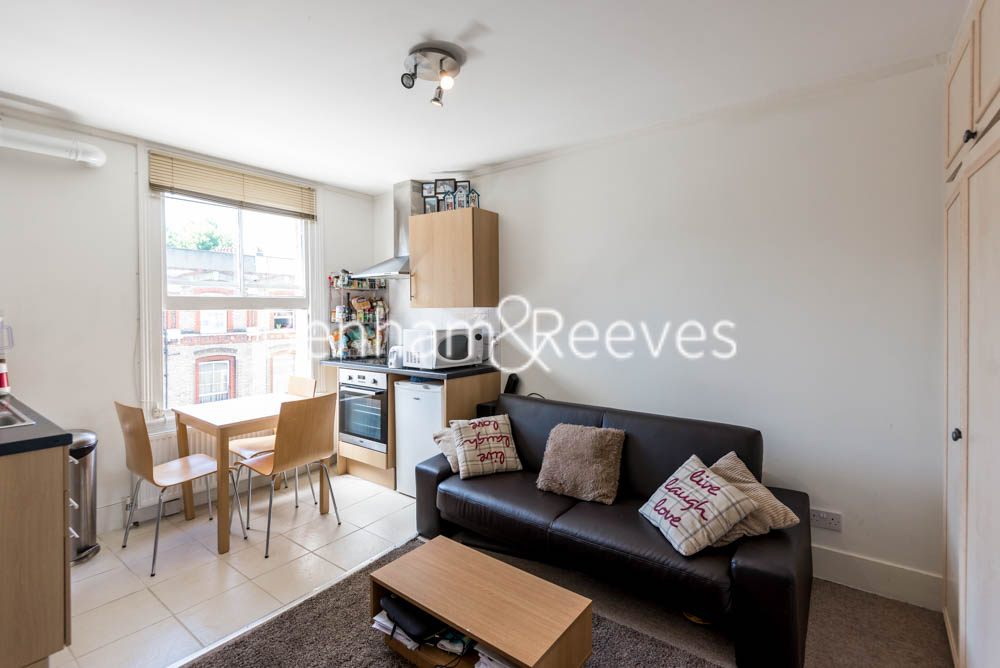 picture of 1 Bedroom(s) flat in  Cheniston Gardens, Kensington, W8