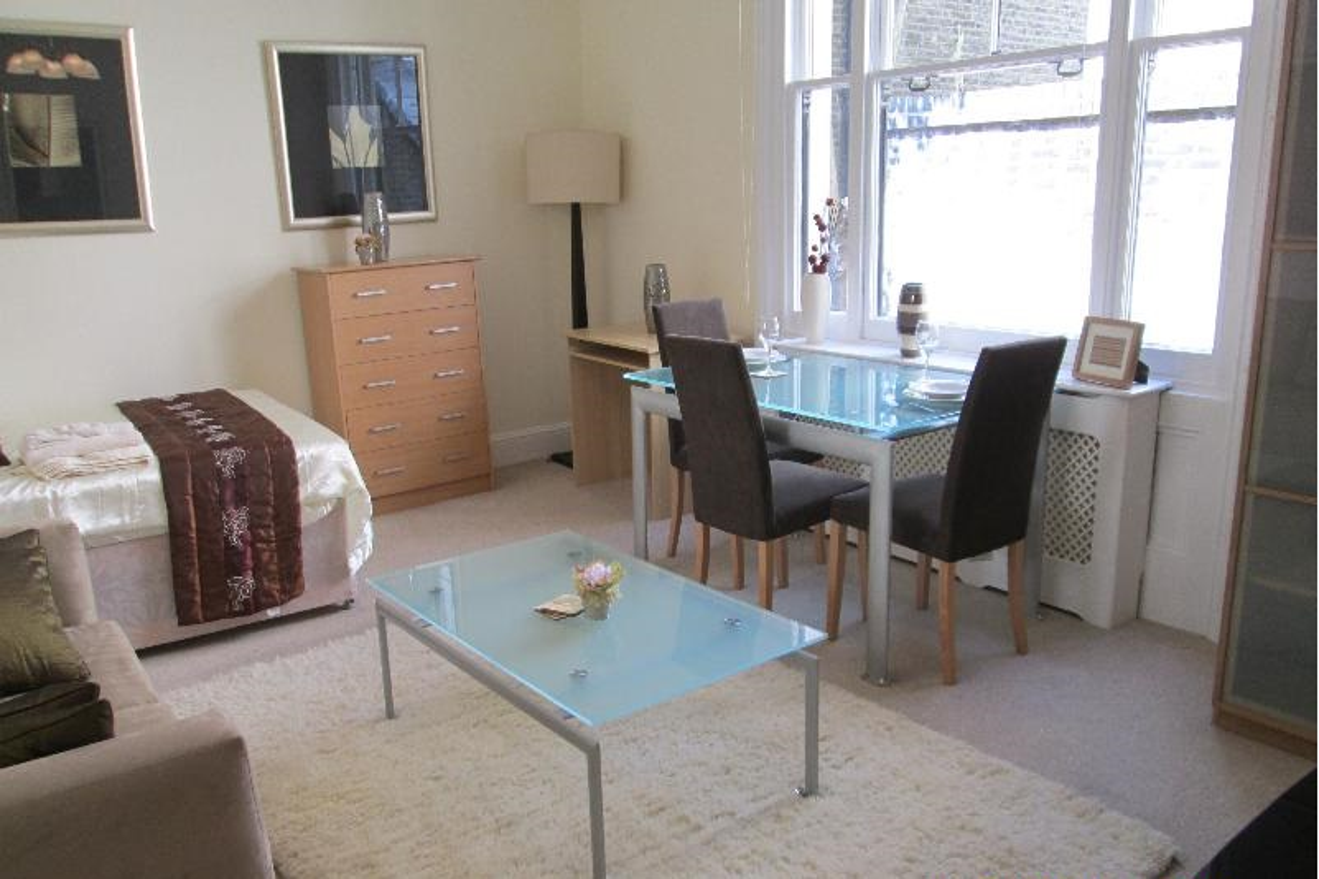 picture of Studio flat in  Ashburn Gardens, South Kensington, SW7
