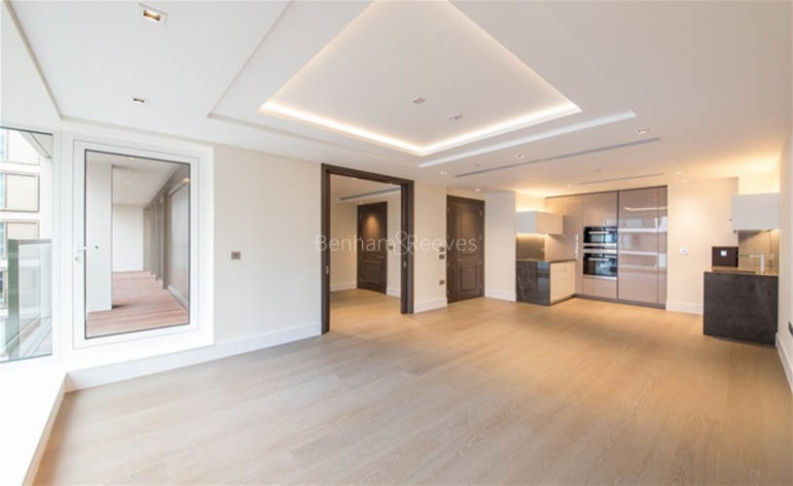 picture of 3 Bedroom(s) flat in  Kensington High Street, West Kensington, W14