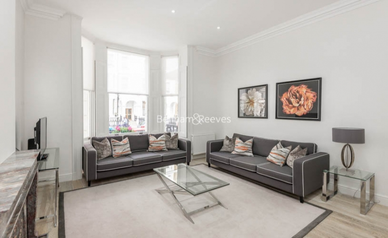 picture of 3 Bedroom(s) flat in  Lexham Gardens, Kensington, W8