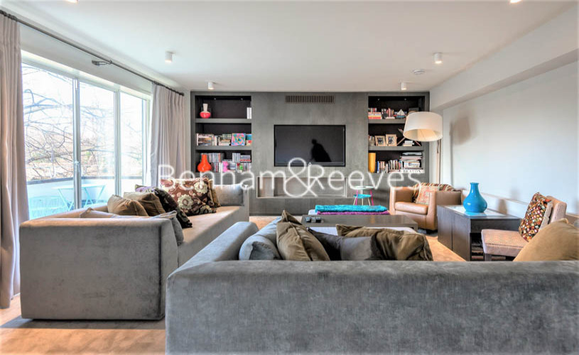 picture of 3 Bedroom(s) flat in  Addison Road, Holland Park, W14