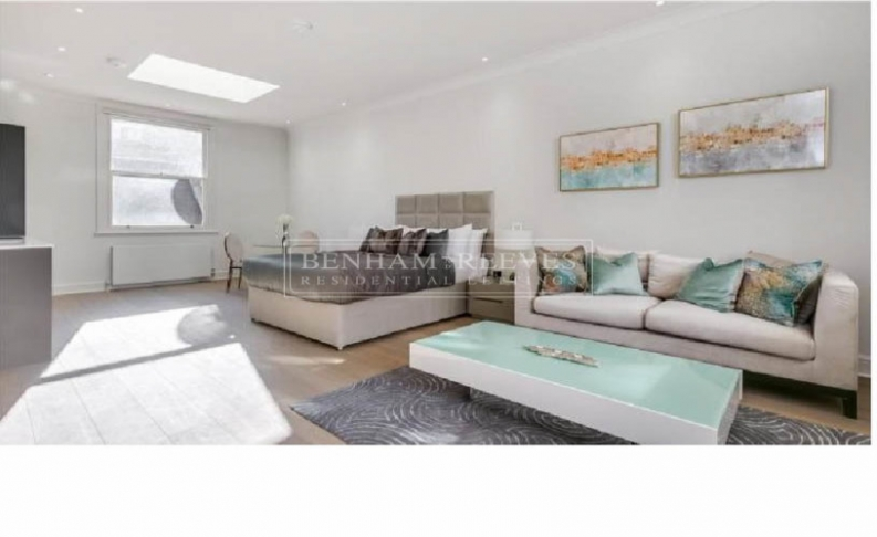 picture of studio flat in  Kensington