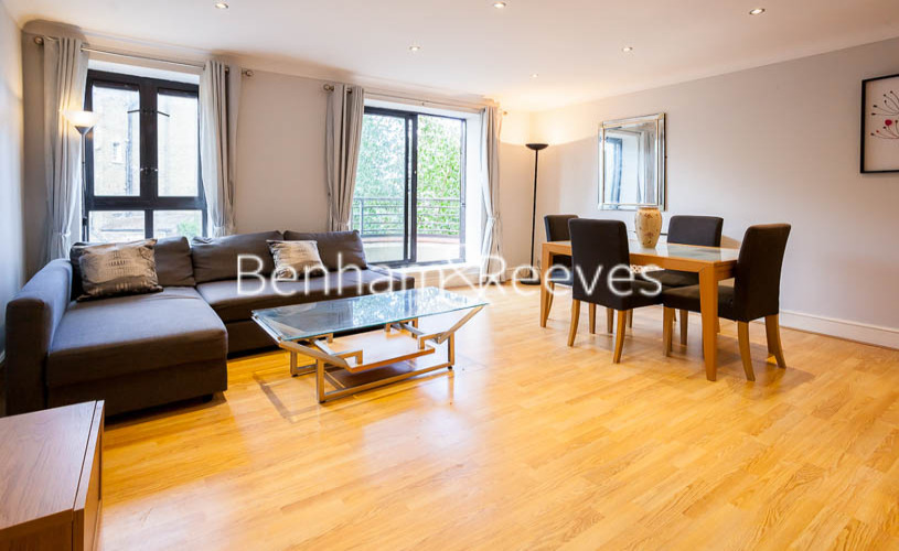 picture of 2 Bedroom(s) flat in  Huntsmore House, Pembroke Road, W8