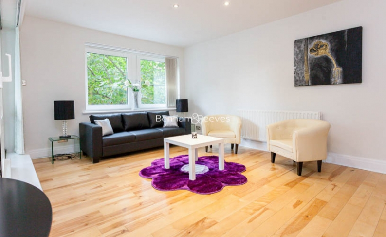 picture of 2 Bedroom(s) flat in  Warren House, Warwick Road, W14