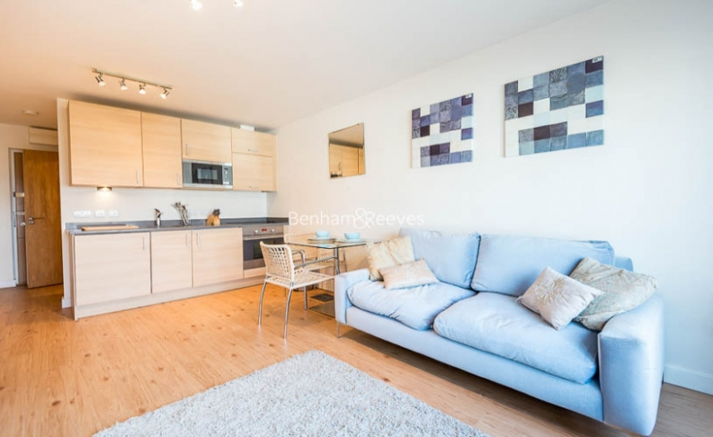 picture of Studio flat in  Boulevard Drive, Colindale, NW9