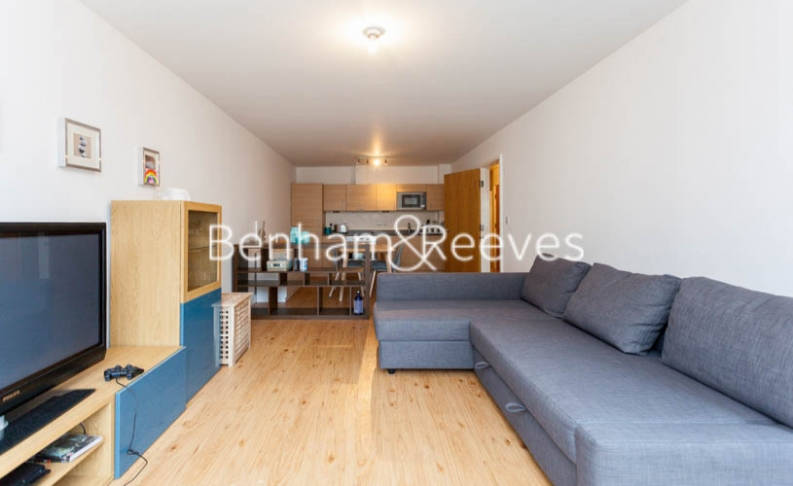 picture of 2-bed flat in  Beaufort Park