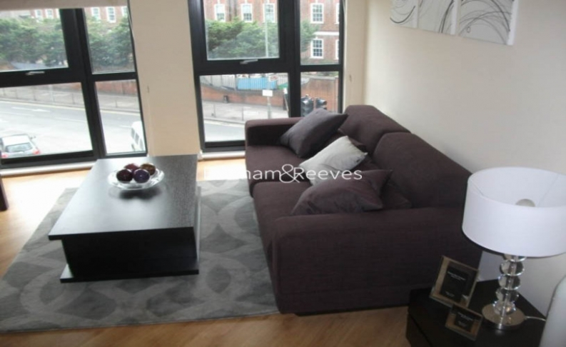picture of 2 Bedroom(s) flat in  Mannock close, Colindale, NW9