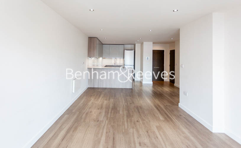 picture of 1 Bedroom(s) flat in  East Drive, Collindale, NW9