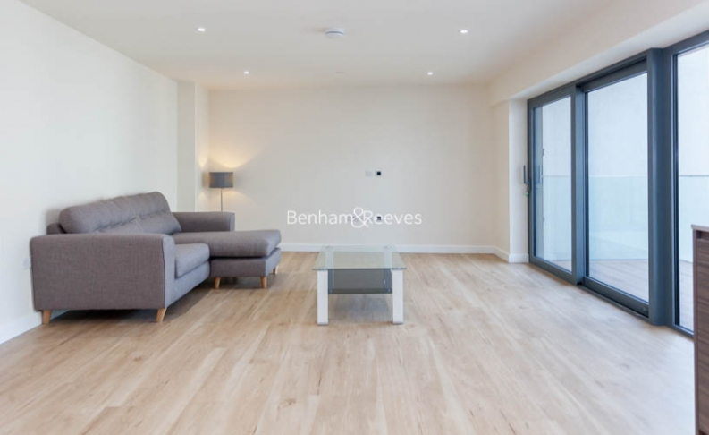 picture of 2 Bedroom(s) flat in  Beaufort Square, Colindale, NW9