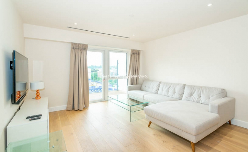 picture of 3 Bedroom(s) flat in  Beaufort Square, Colindale, NW9