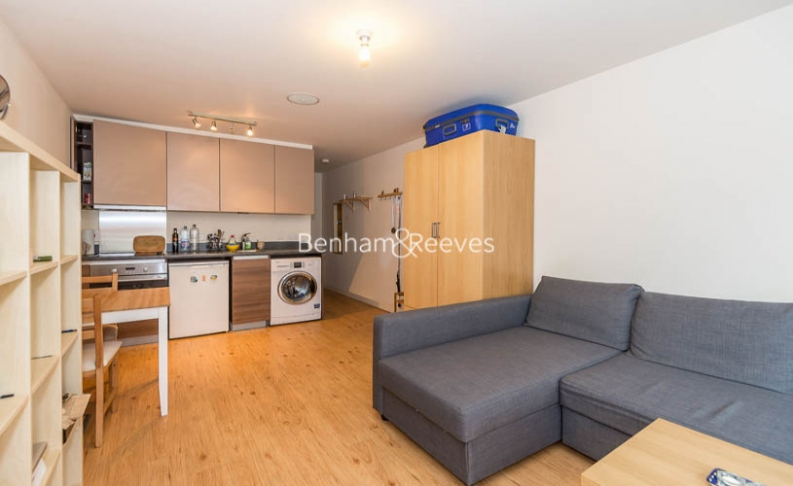 picture of Selection of Amenities On-site flat in  Boulevard Drive, Colindale, NW9