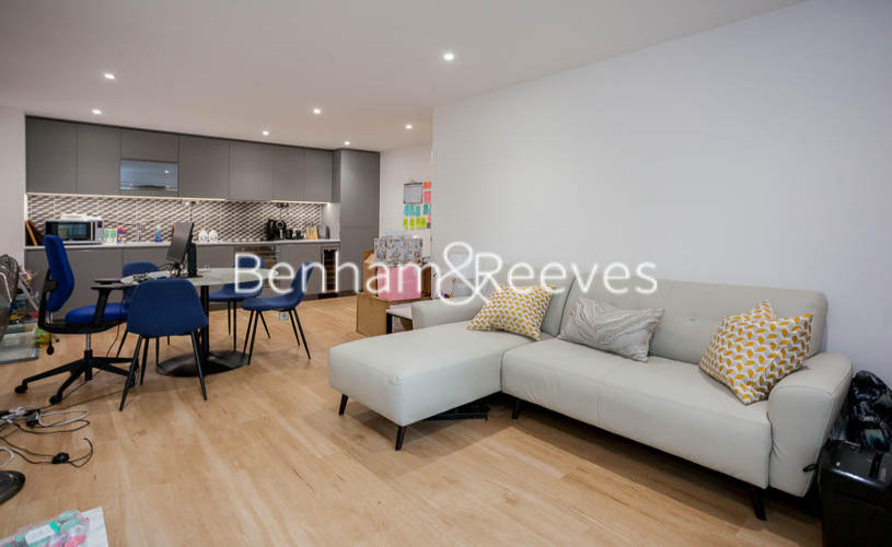 picture of 2 Bedroom(s) flat in  Beaufort Park ,Colindale ,NW9