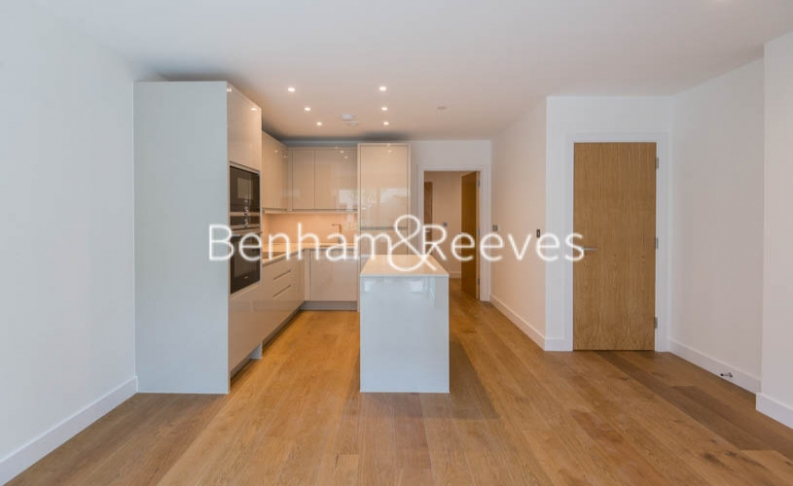 picture of 3 Bedroom(s) flat in  Achill Close ,Colindale Gardens, NW9