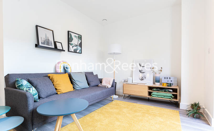 picture of 1 Bedroom(s) flat in  Lismore Boulevard, Colindale, NW9