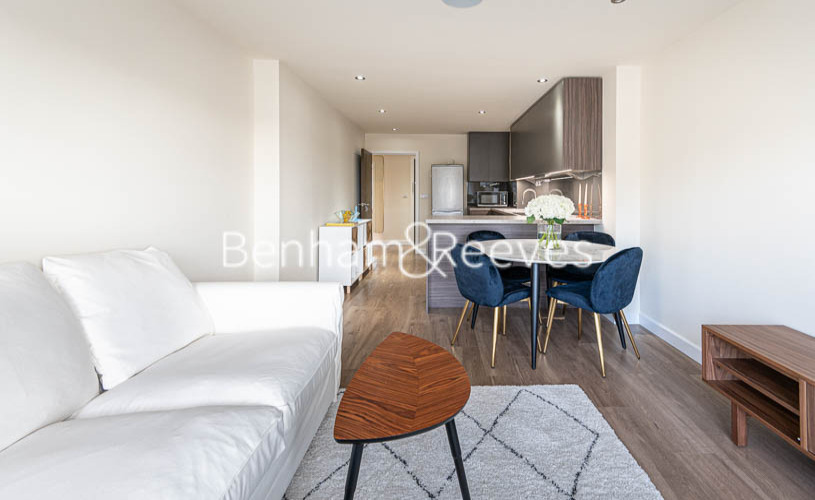 picture of 2 Bedroom(s) flat in  Beaufort Park , Colindale  NW9