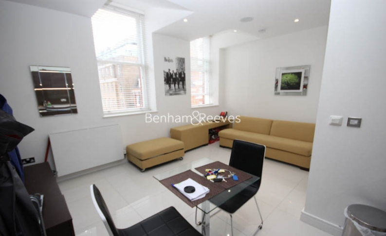 picture of Studio flat in  Judd Street, Bloomsbury, WCIH