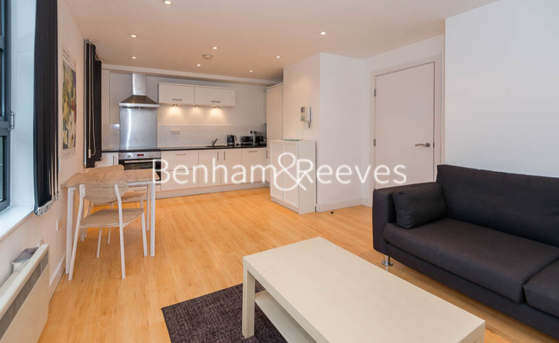 picture of 2 Bedroom(s) flat in  Baylis Road, Waterloo, SE1