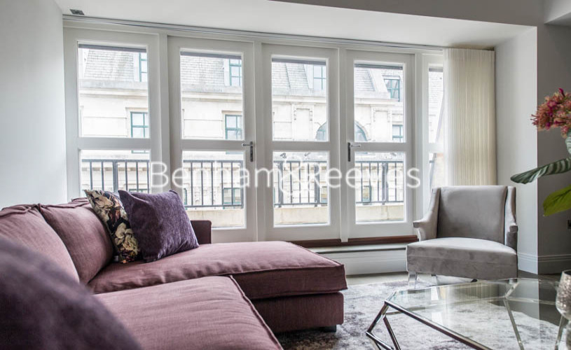 picture of 3 Bedroom(s) flat in  Aldwych, Holborn, City, WC2A