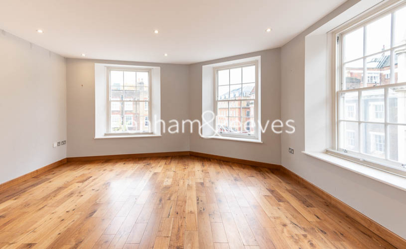 picture of 1 Bedroom(s) flat in  The Belvedere, Holborn, WC1R