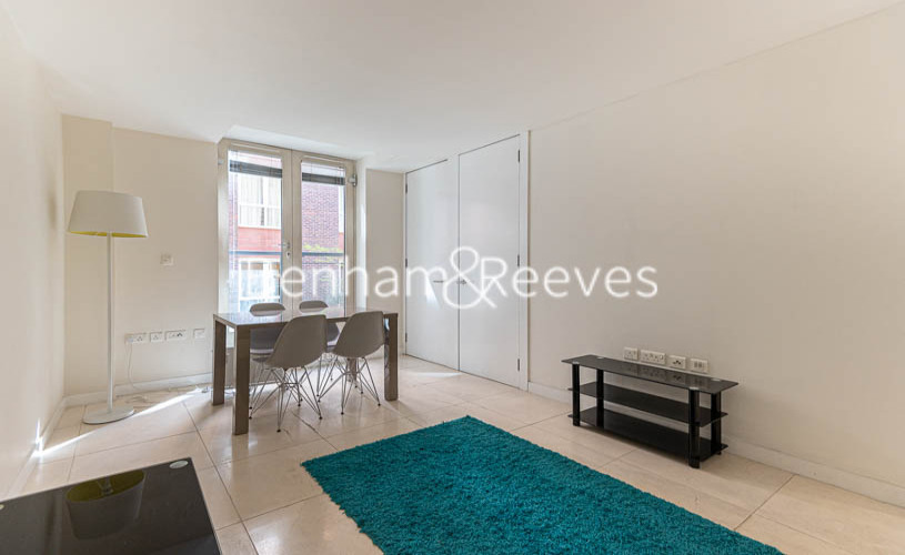 picture of 1 Bedroom(s) flat in  Cock Lane, Farringdon, EC1A
