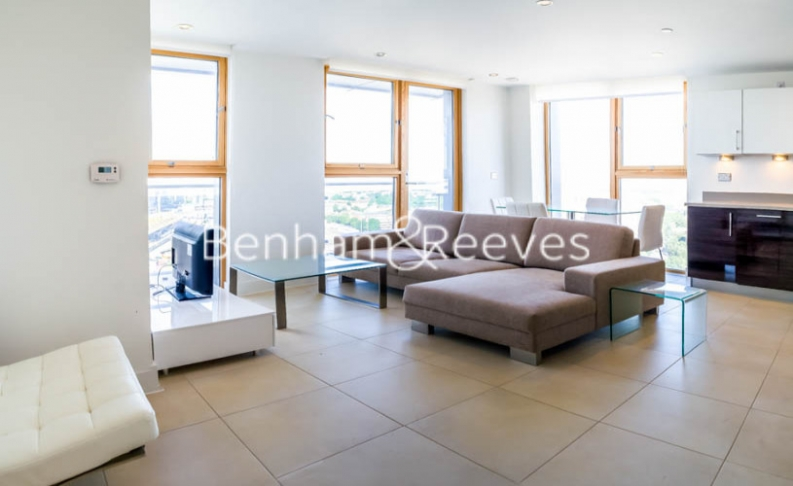 picture of 2 Bedroom(s) flat in  Streamlight, Canary Wharf, E14