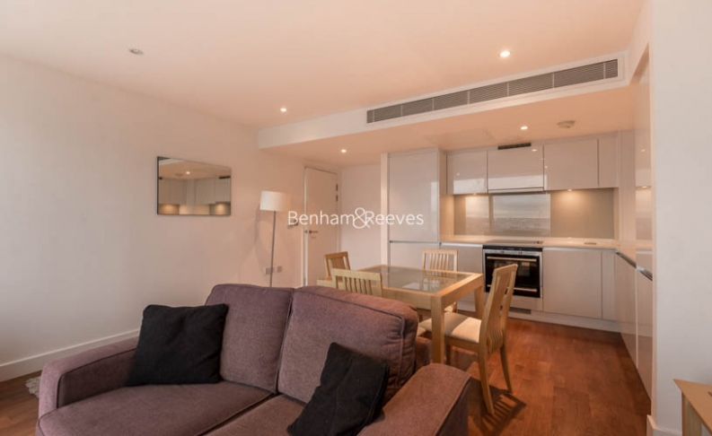 picture of 1 Bedroom(s) flat in  Landmark East Tower, Marsh Wall, E14