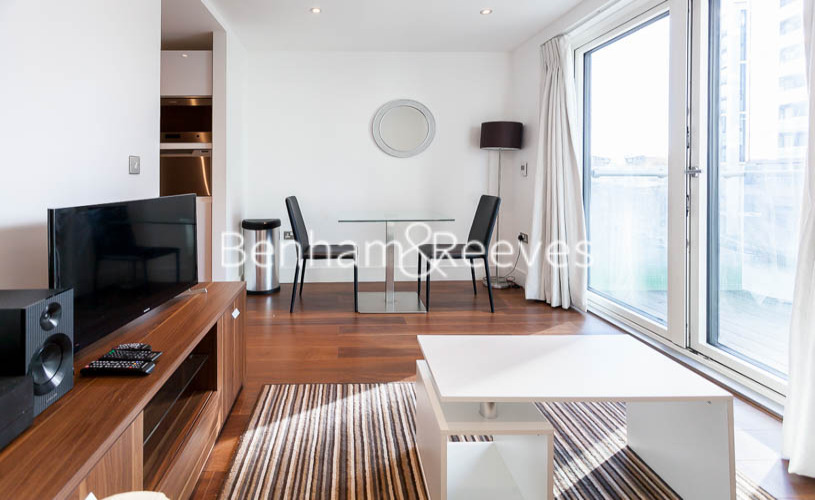 picture of Studio flat in  6 Lincoln Plaza, Canary Wharf, E14